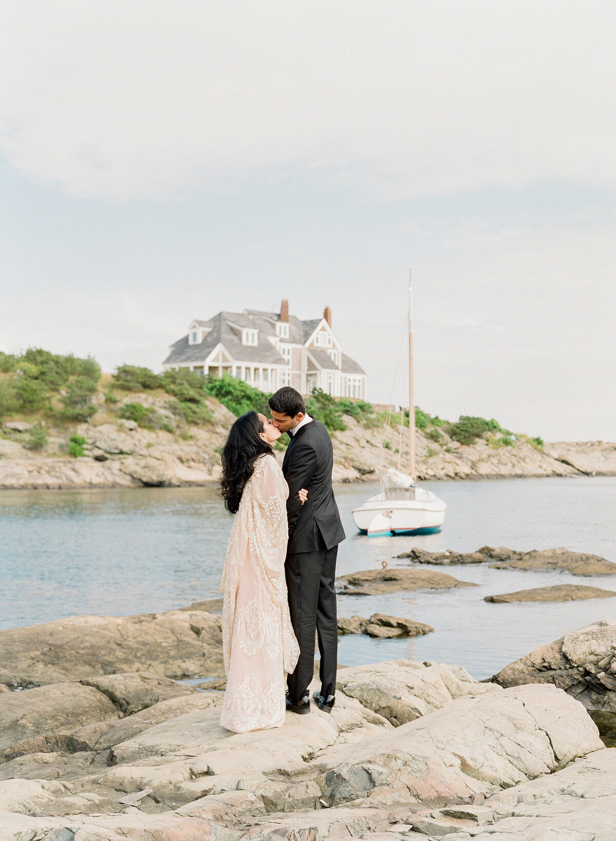 549 TWAH-DOUGHERTY-BELLE-MER-RHODE-ISLAND-WEDDING