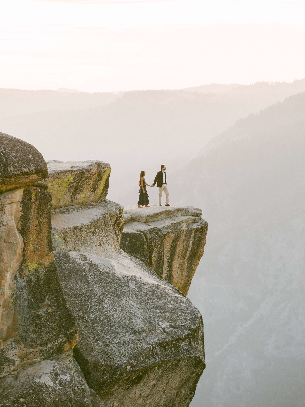 68-KTMerry-destination-engagement-photography-distant-couple-Yosemite
