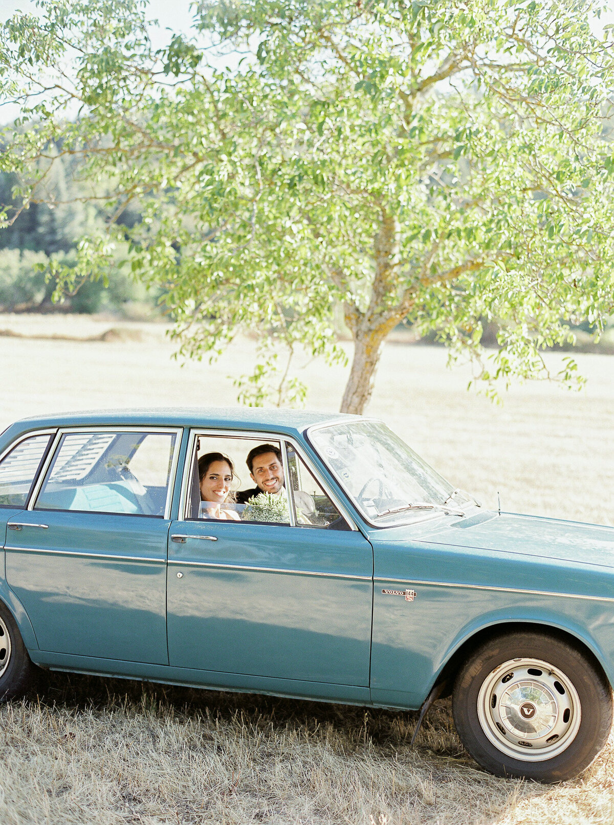 wedding_with_a_vintage_car_in_marvão-7