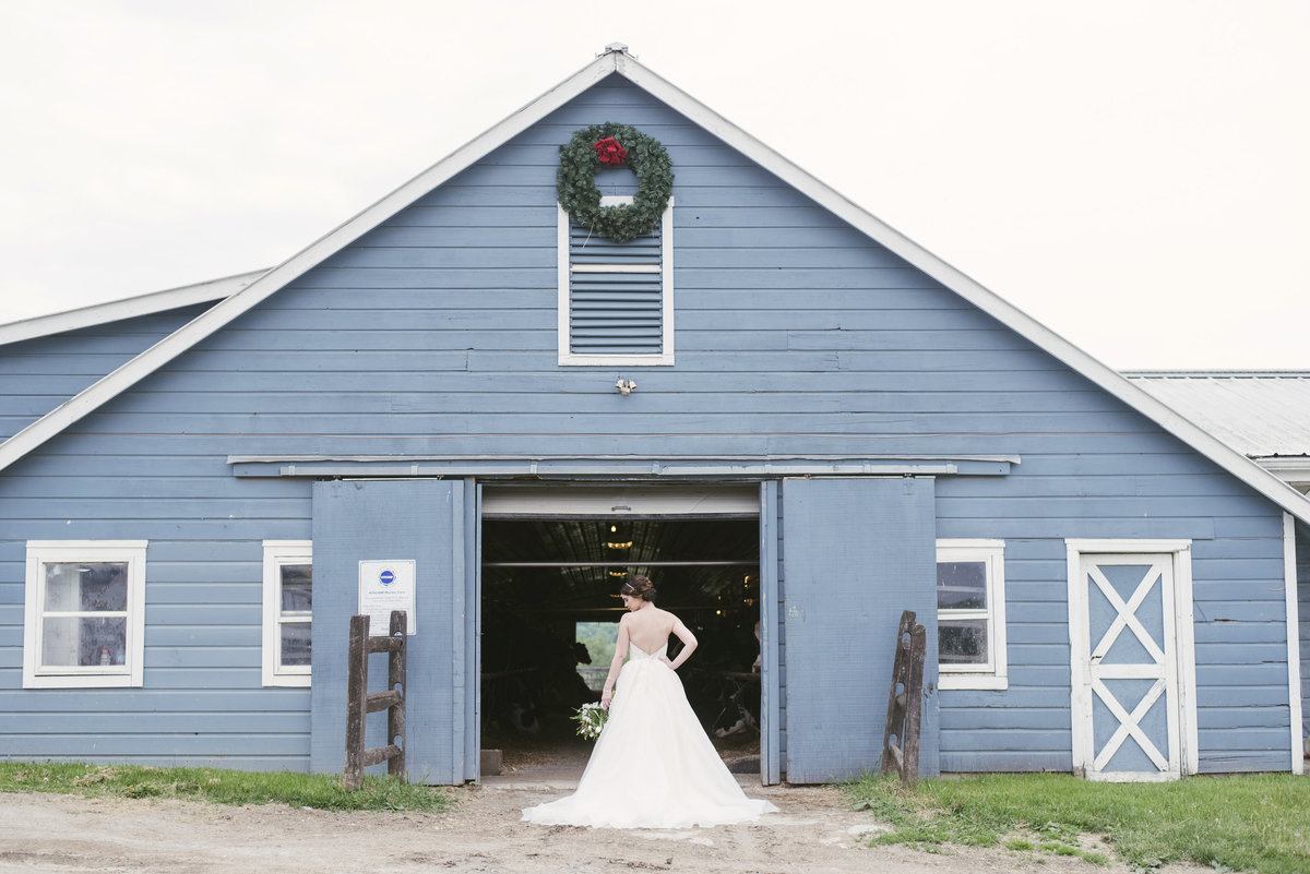 Monica-Relyea-Events-Alicia-King-Photography-Globe-Hill-Ronnybrook-Farm-Hudson-Valley-wedding-shoot-inspiration46