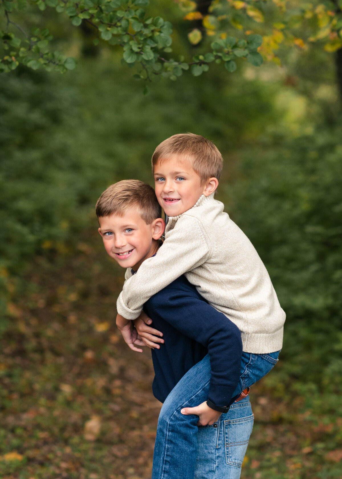 Des-Moines-Iowa-Family-Photographer-Theresa-Schumacher-Photography-Fall-Park-Brothers