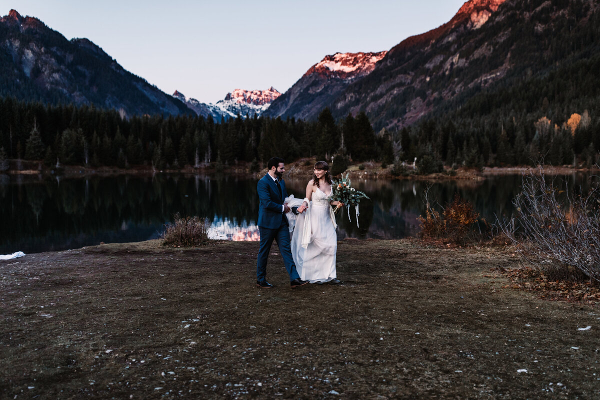 Oregon_elopement_Gold_Creek_pond_Adventure_wedding_photography (587 of 793)