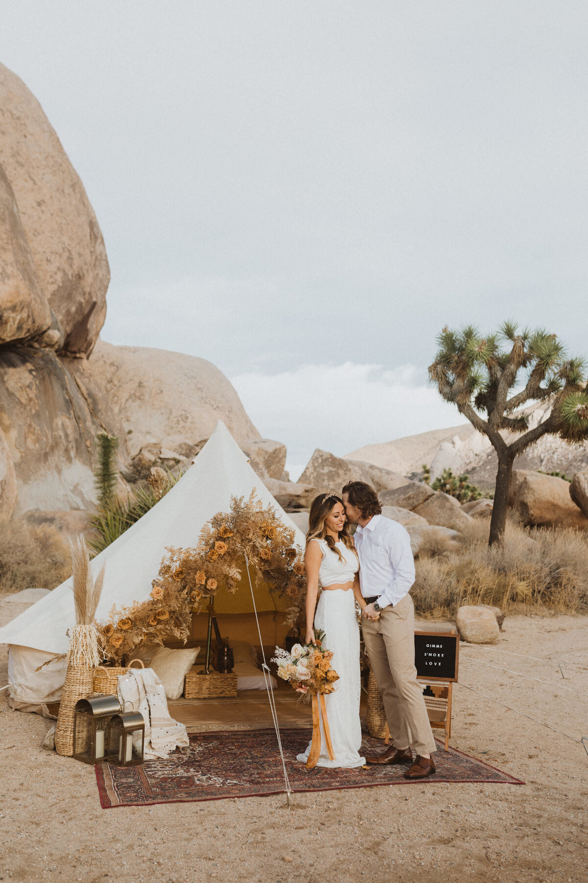 liv_hettinga_photography_joshua_tree_adventure_elopement-46