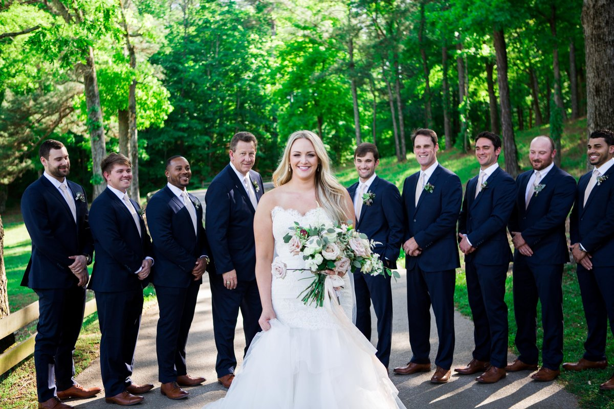 Windwood_Equestrian_Outdoor_Wedding_Venue_Alabama_Farm_Bride048