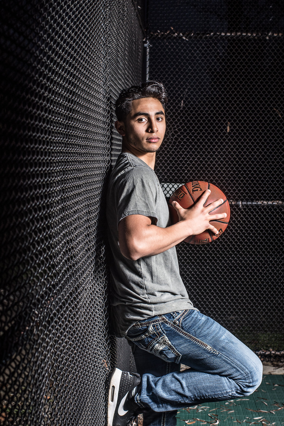 Redway-California-senior-portrait-photographer-Parky's-Pics-Photography-Humboldt-County-basketball-nighhttime2.jpg