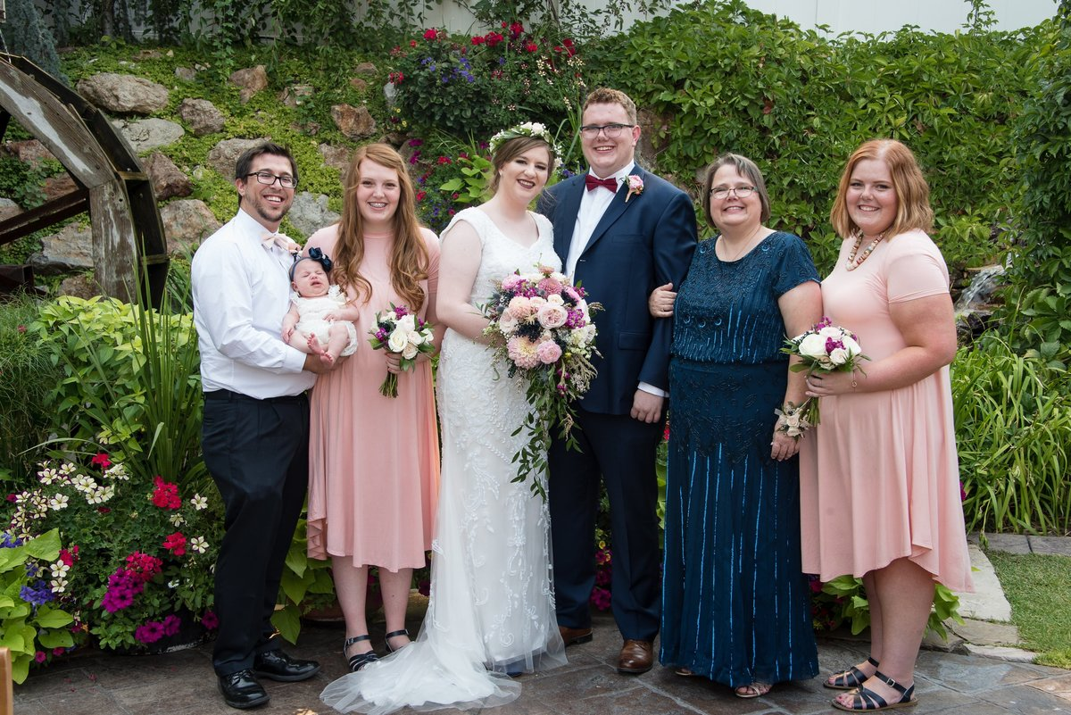 My family, left to rightL Tyler (brother-in-law), Evelyn (niece), Lauren (sister), Sam (sister-in-law), Spencer (brother), Lisa (mom), and me!