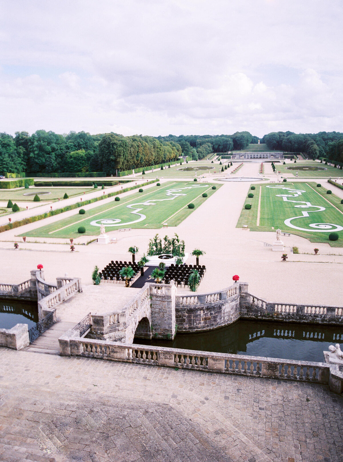 vaux-le-vicomte-luxury-wedding-phototographer-in-paris (43 of 56)