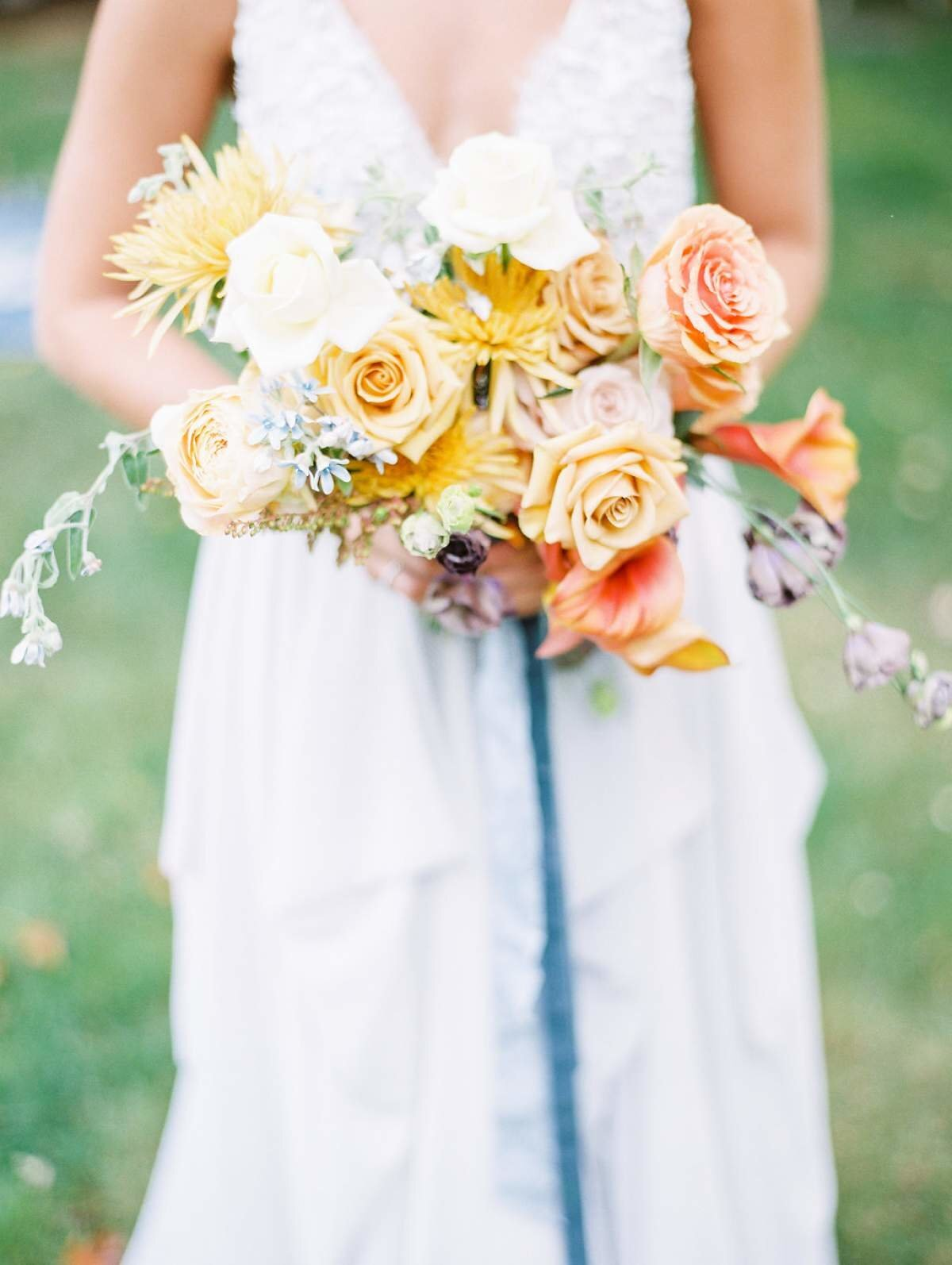 mustard-and-rust-bridal-bouquet-the-day's-design
