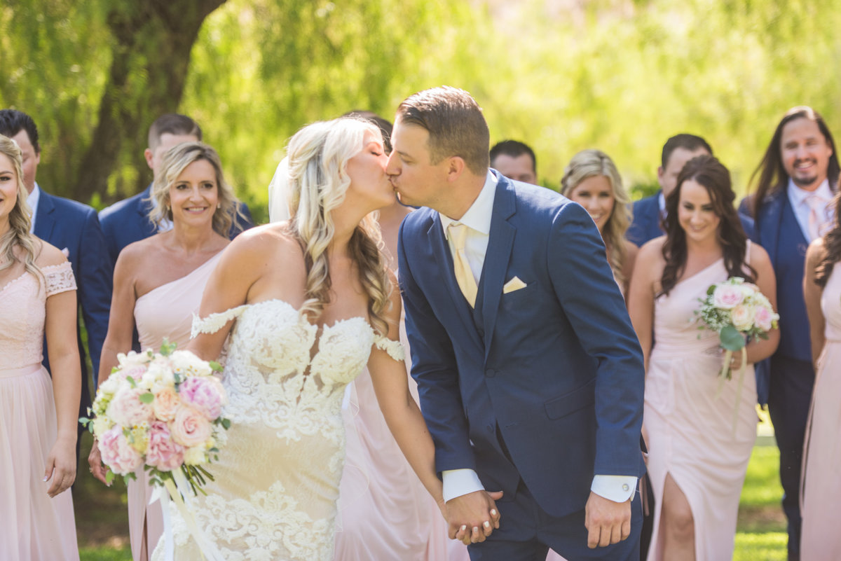 hummingbird-nest-ranch-wedding-photos-39