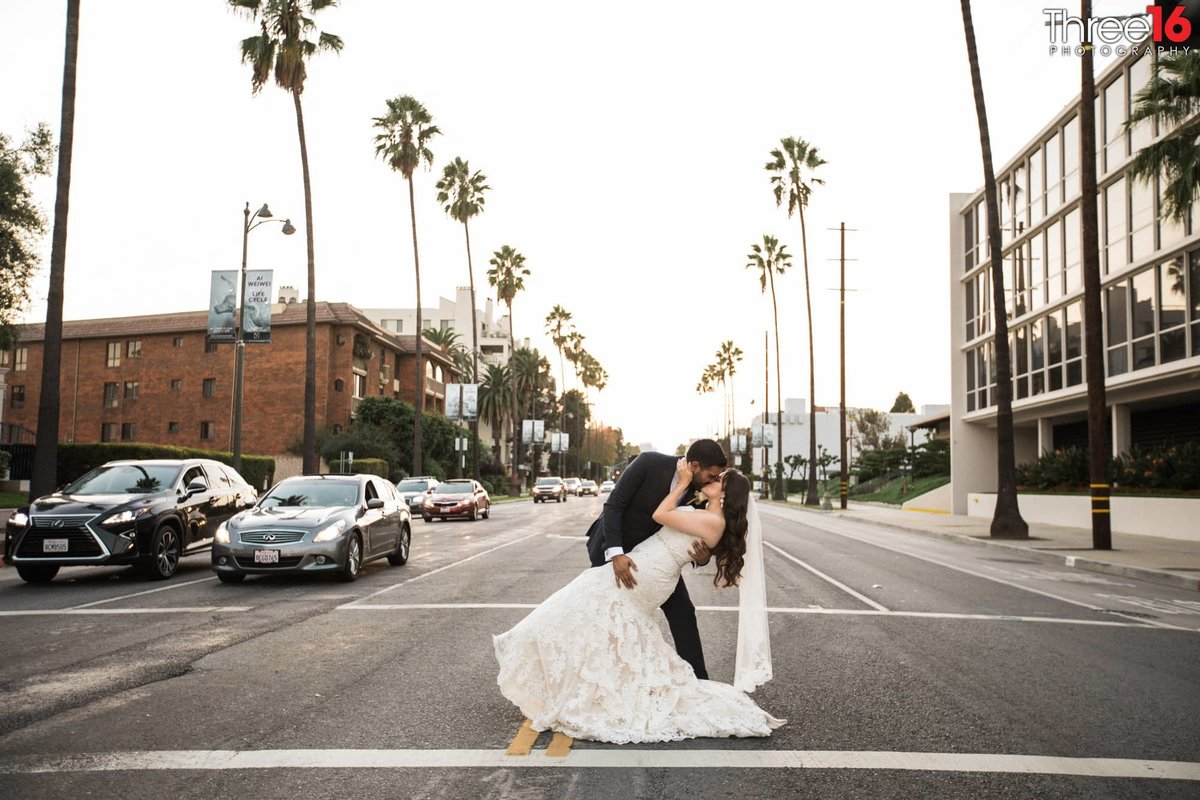 couples wedding photographer in los angeles ebell_1