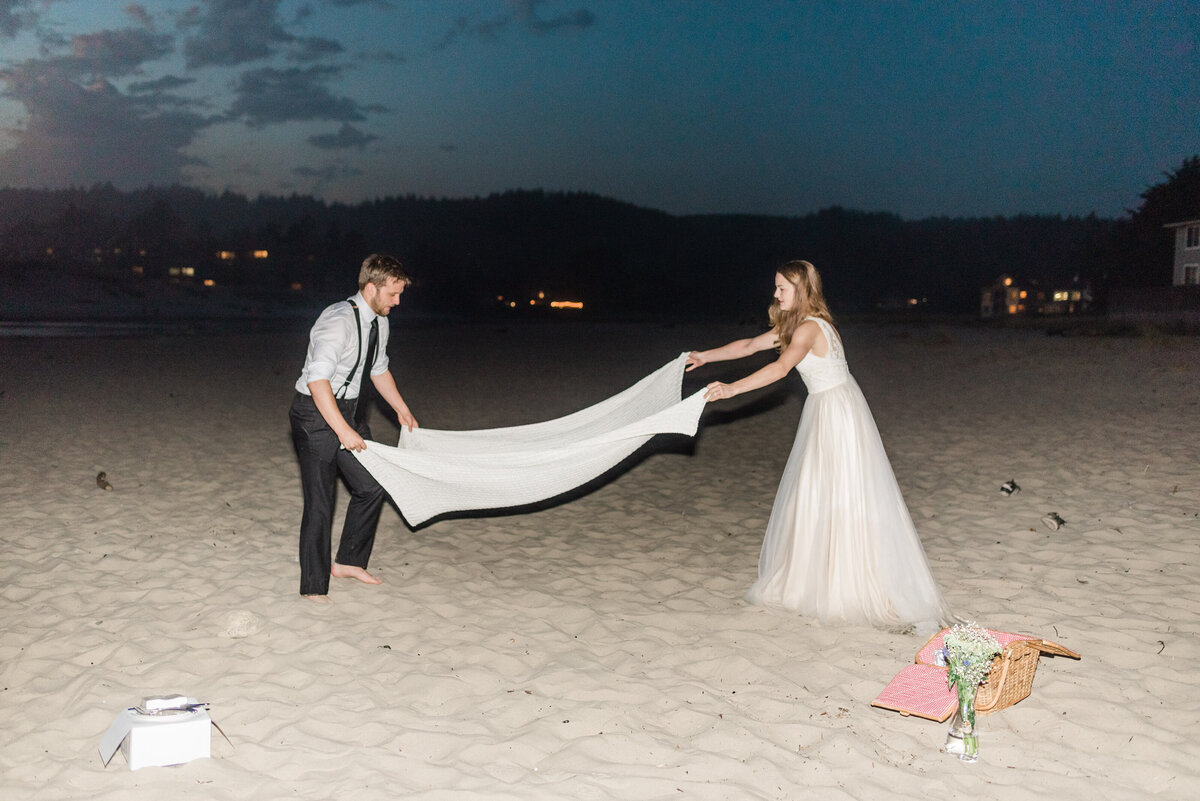 Cannon-Beach-Elopement-Photographer-79