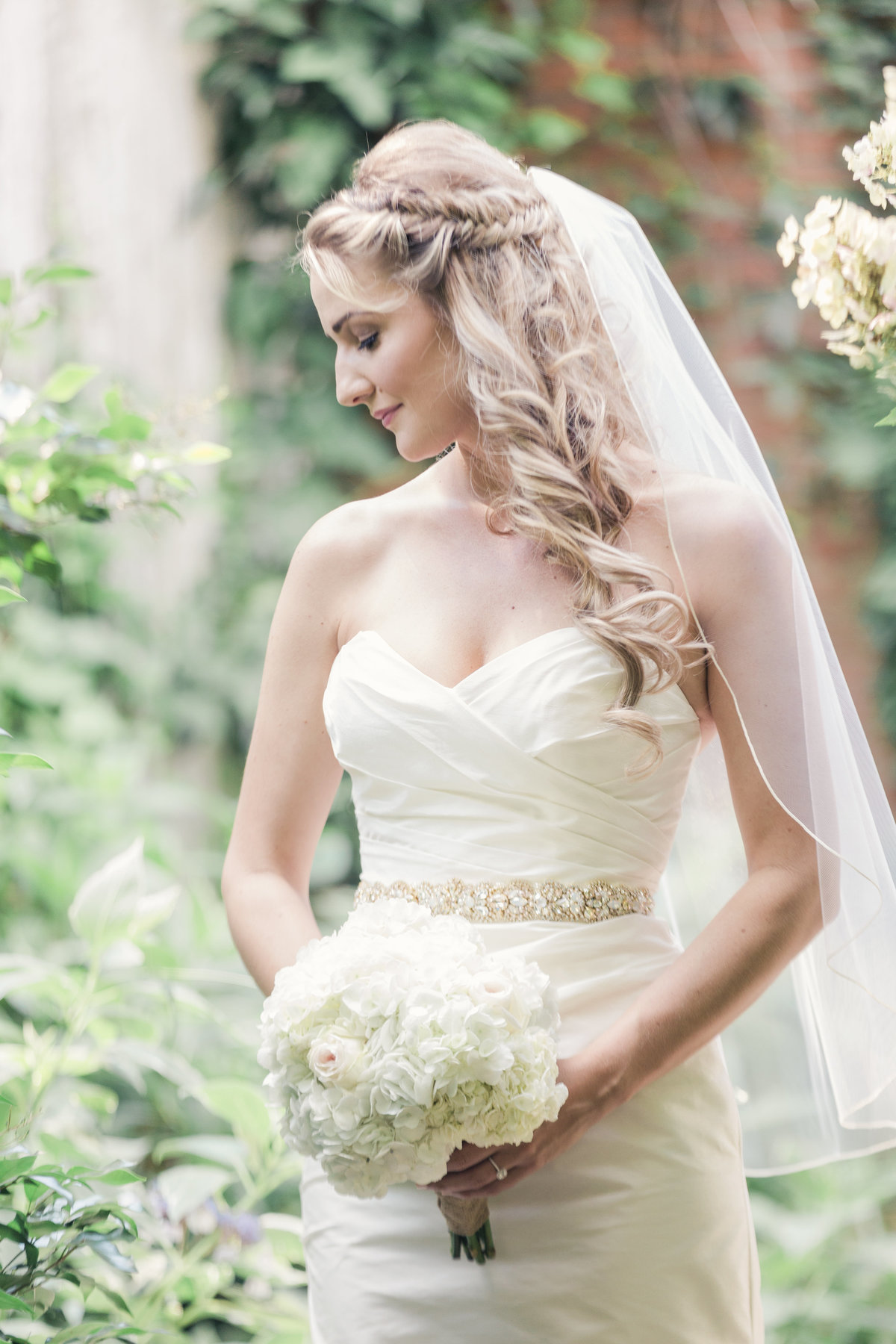 Bridal session with Charlotte wedding photographer Jamie Lucido at the Morehead Inn, with beautiful bride and bouquet