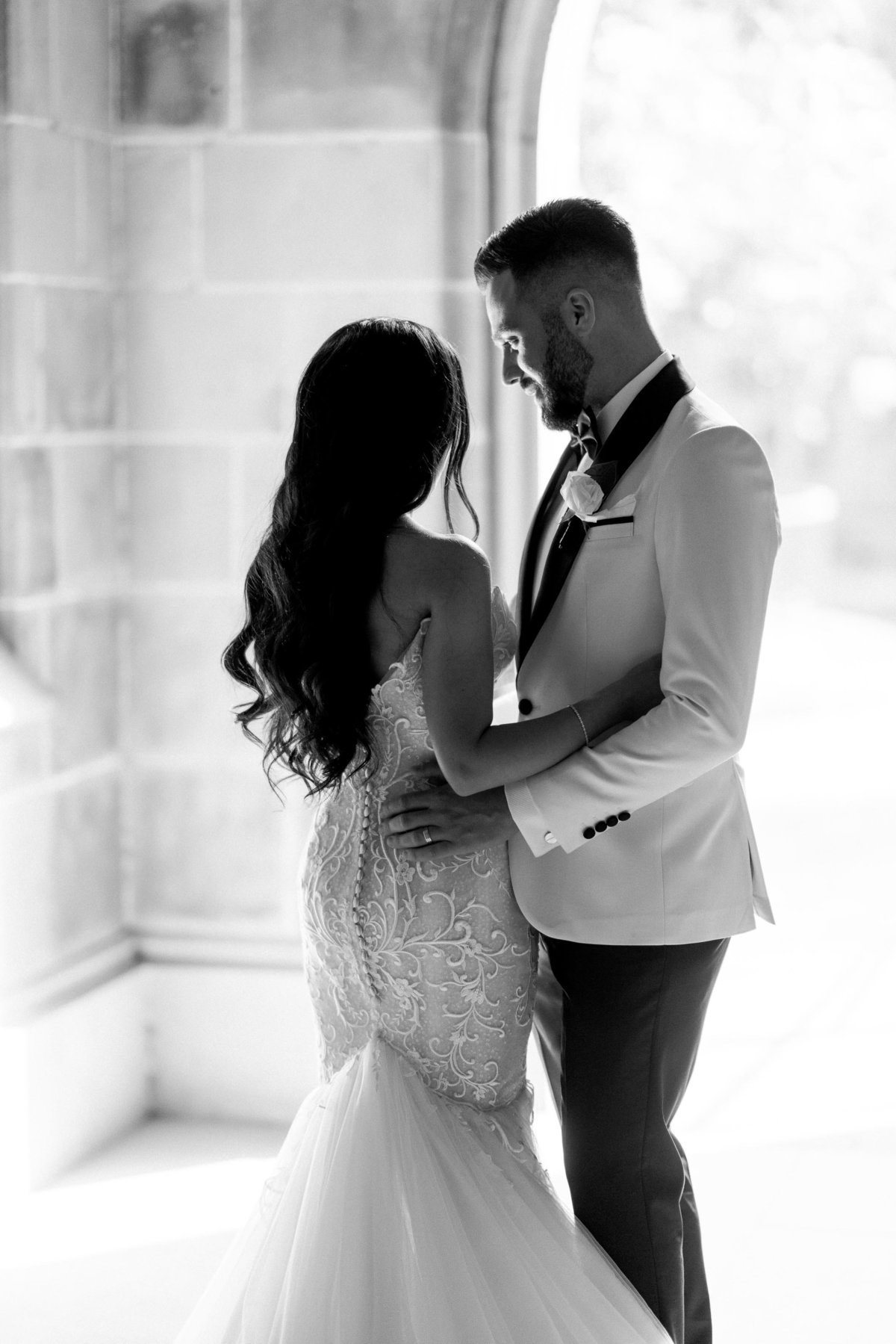 classy-romantic-wedding-melbourne-university-06965