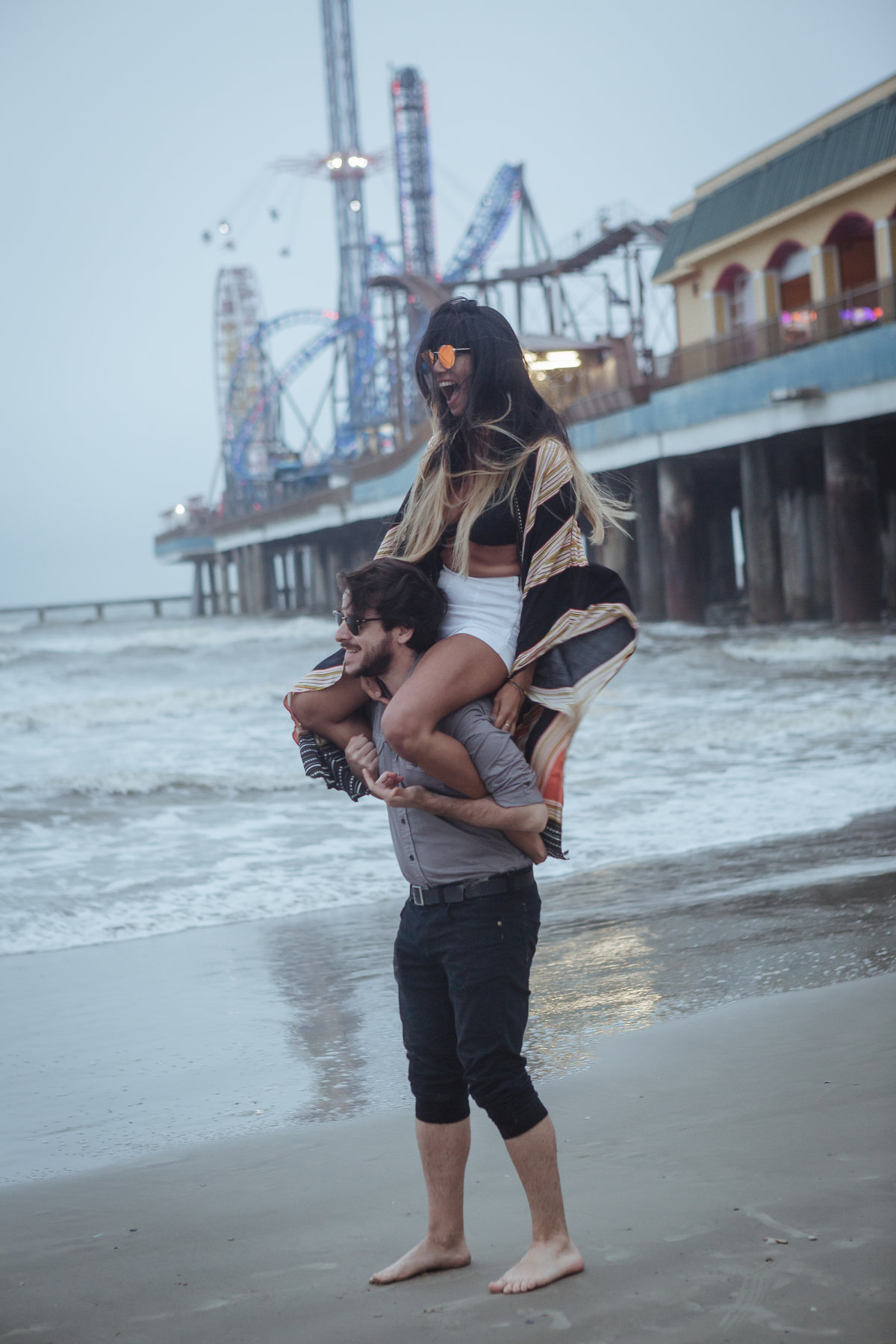 Lynsie.Rae.Photography_2018 Galveston_Couple at the Pier-25