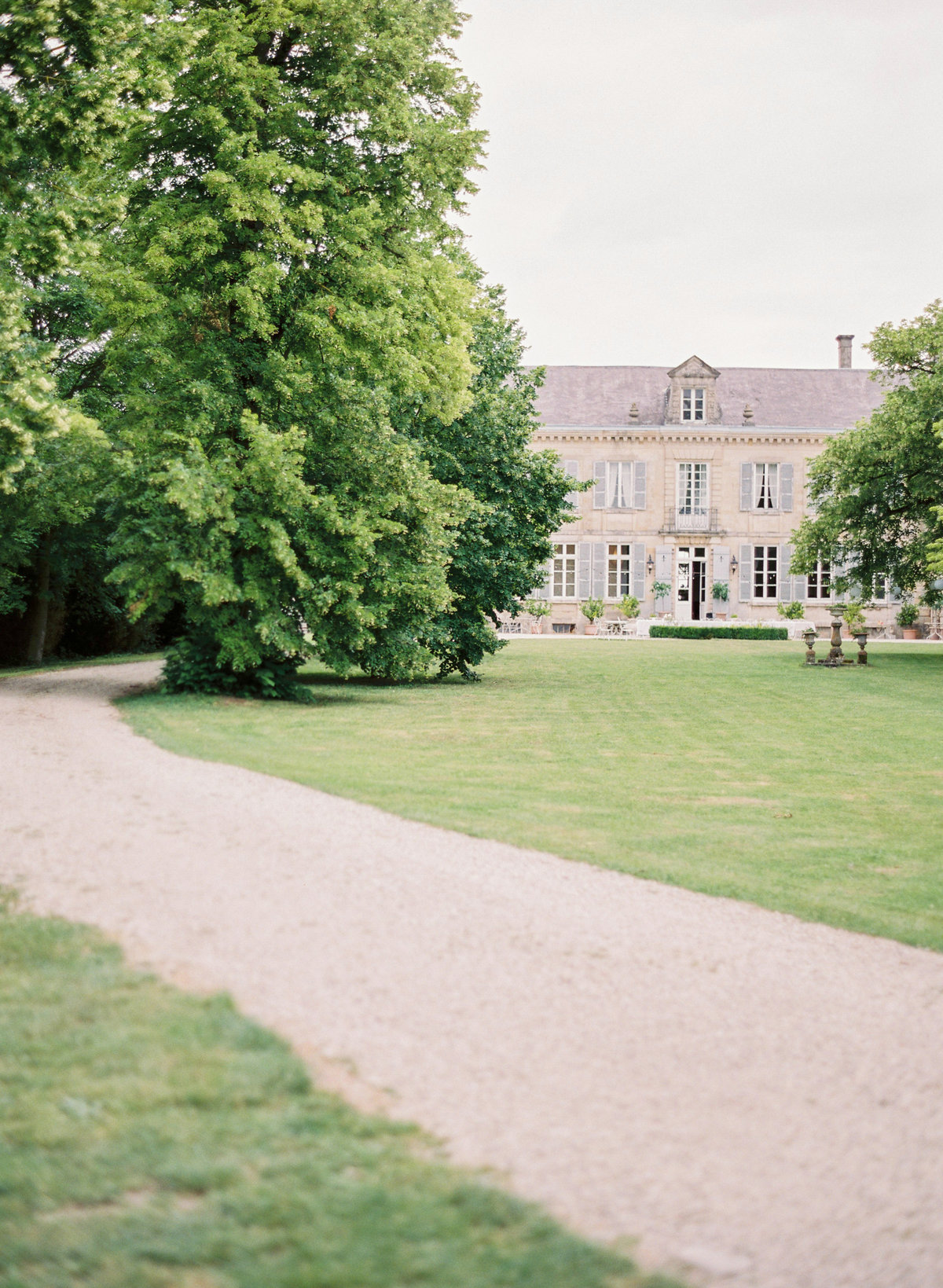 Intimate french champagne chateau wedding amelia soegijono0003