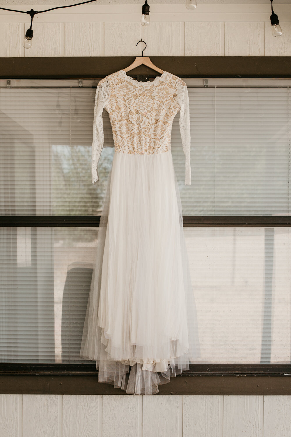 wedding-dress-rentals-for-styled-shoots-elopement-photographer-8