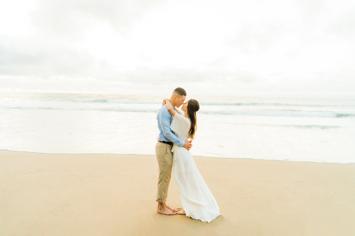 malaga cove engagement photos in palos verdes