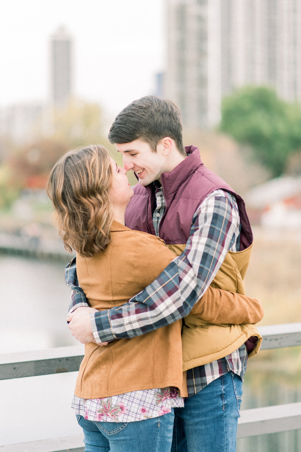 chicago engagement pictures - destination wedding photographer-10
