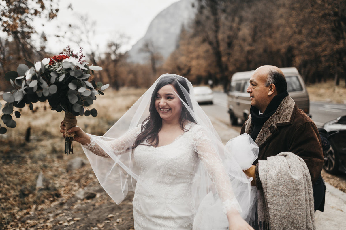 athena-and-camron-how-to-elope-in-yosemite-valley-ceremony7