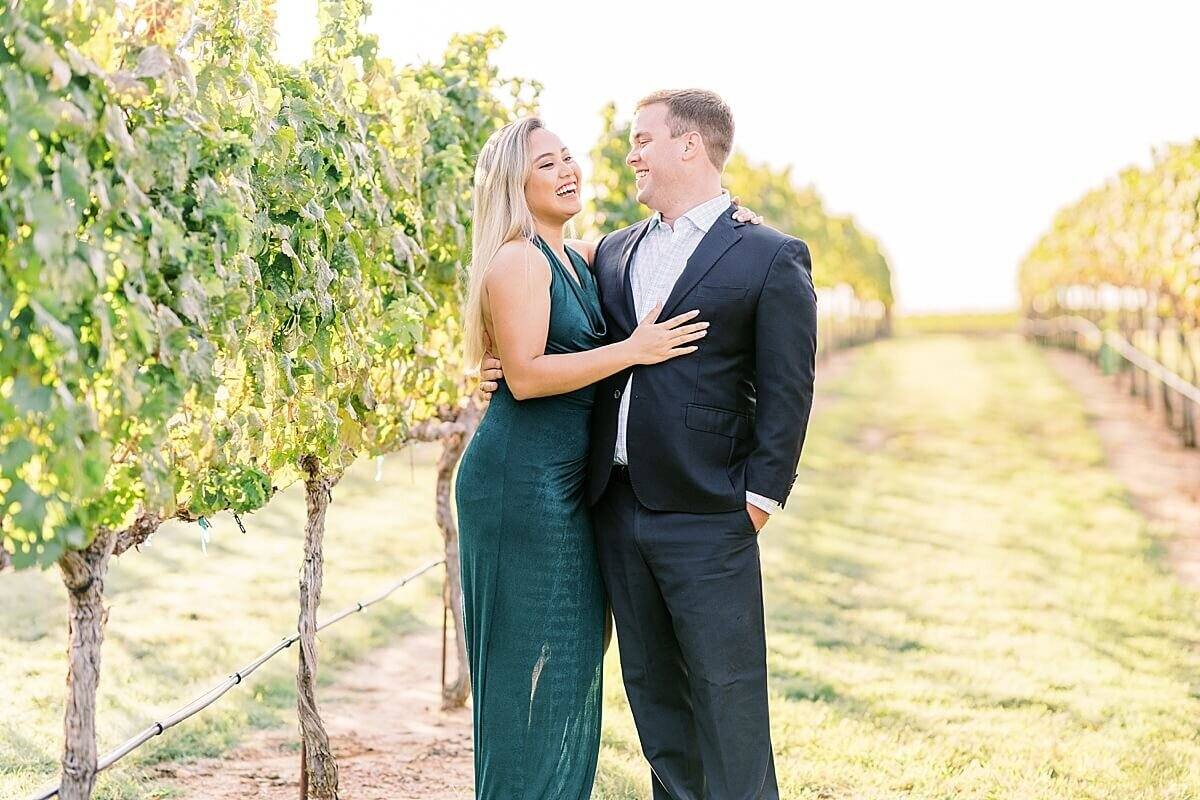 Texas-Hill-Country-Vineyard-Engagement-Portrait-Session-Alicia-Yarrish-Photography_0005