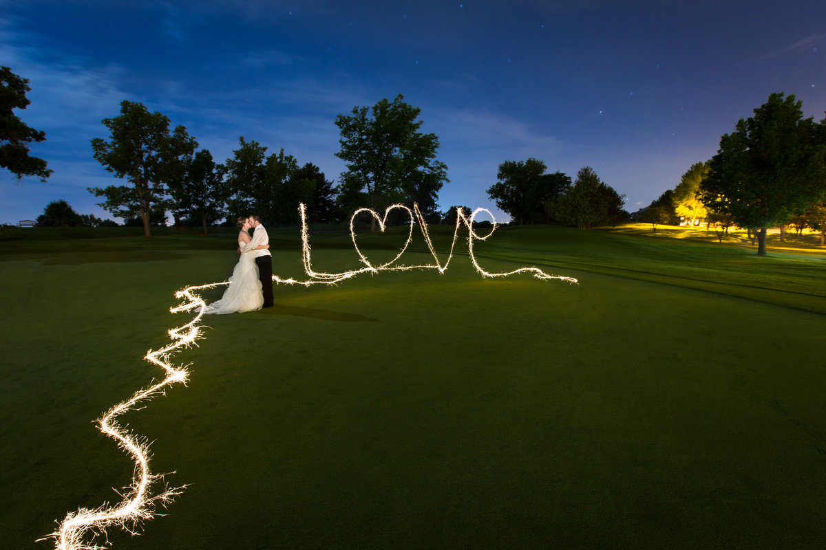 nighttime-wedding-sparkler-photos