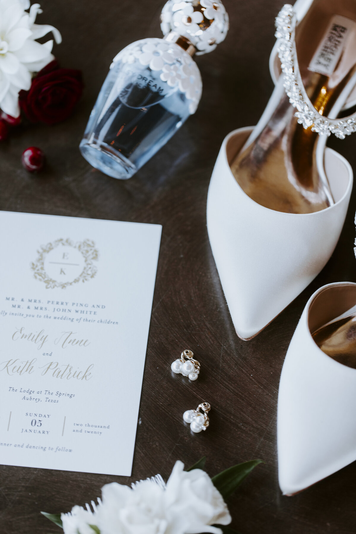 WhiteWeddingDetails-9