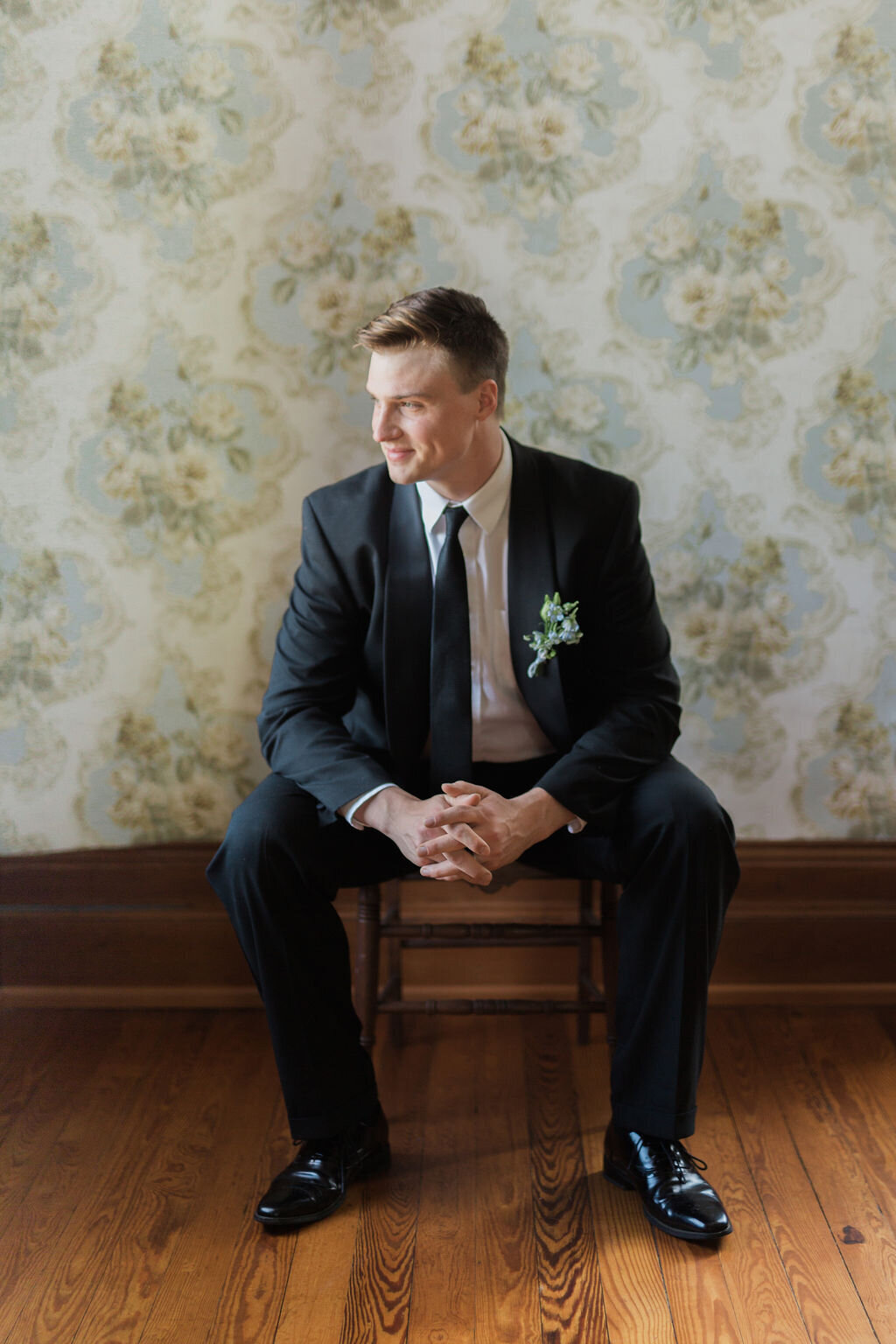 Lynwood Estate - Luxury Kentucky Wedding Venue - Classic Groom  00001