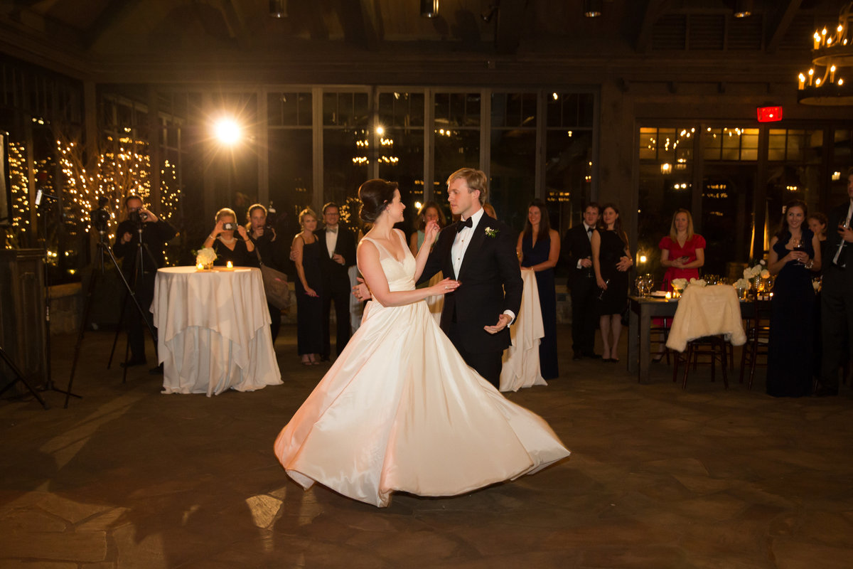 0062_Old-Edwards-Inn-Highlands-NC-Winter-Wedding