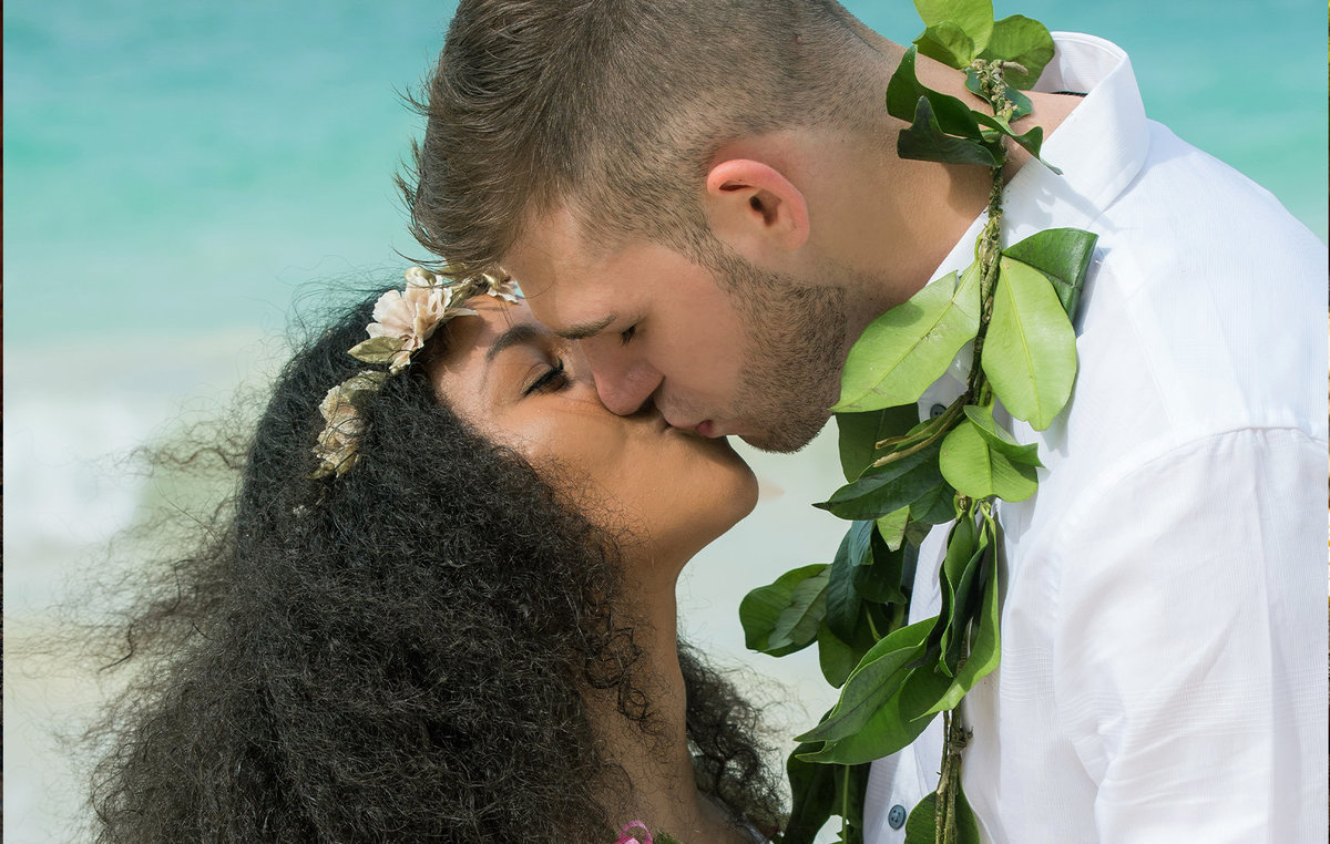 Hawaii engagement photographers