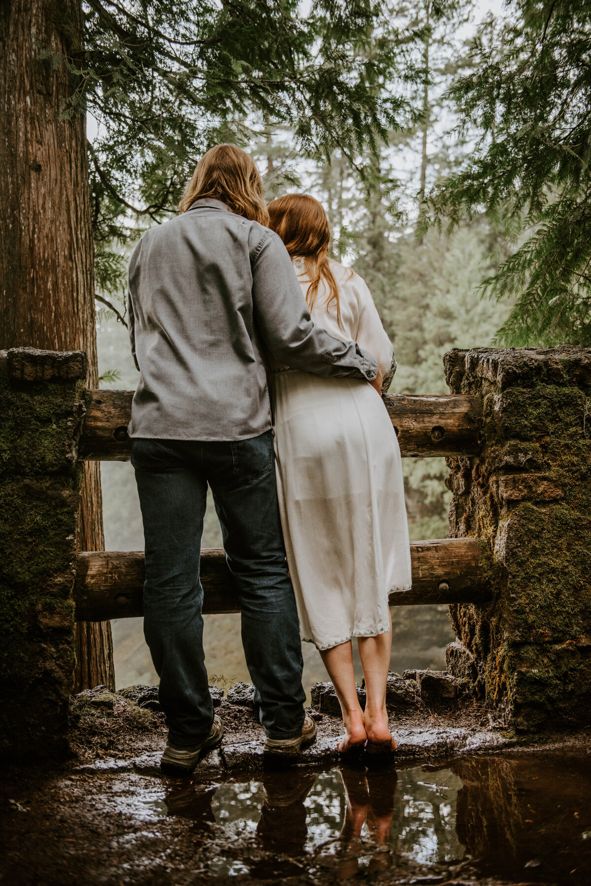 sahalie-falls-summer-oregon-photoshoot-adventure-photographer-bend-couple-forest-outfits-elopement-wedding8202