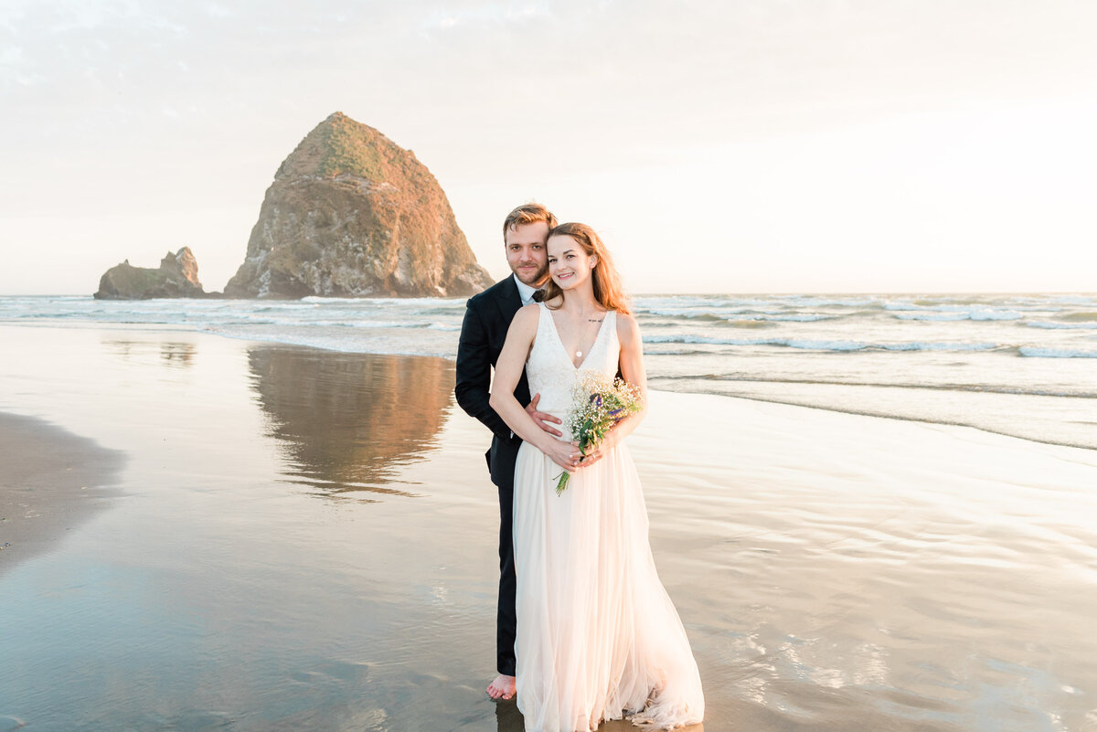 Cannon-Beach-Elopement-Photographer-67