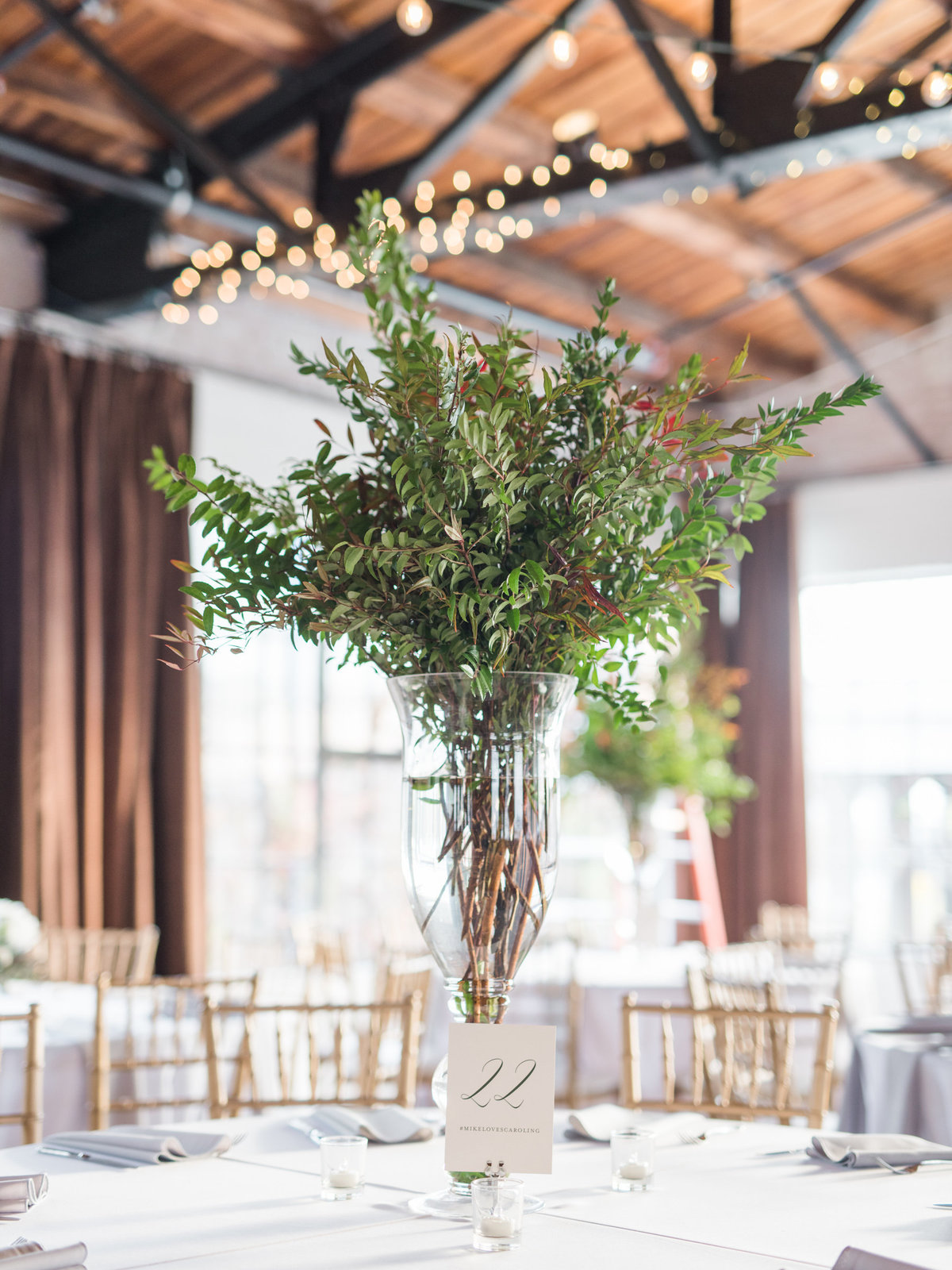 Courtney Hanson Photography - Festive Holiday Wedding in Dallas at Hickory Street Annex-1114