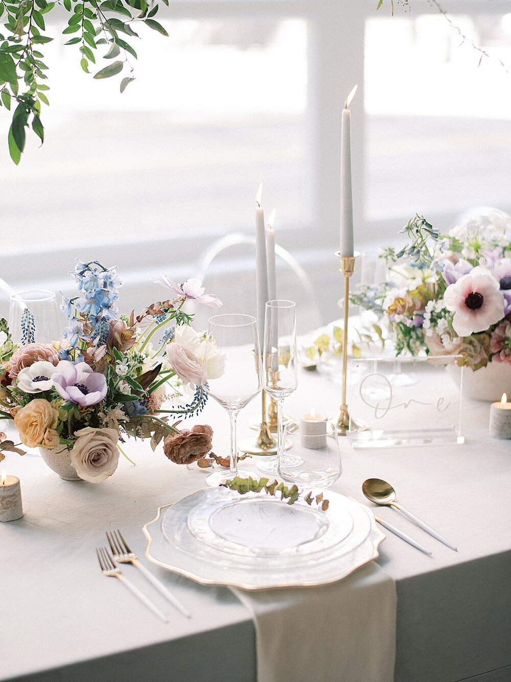 Modern-love-event-leigh-and-mitchell-wedding-reception-inspiration