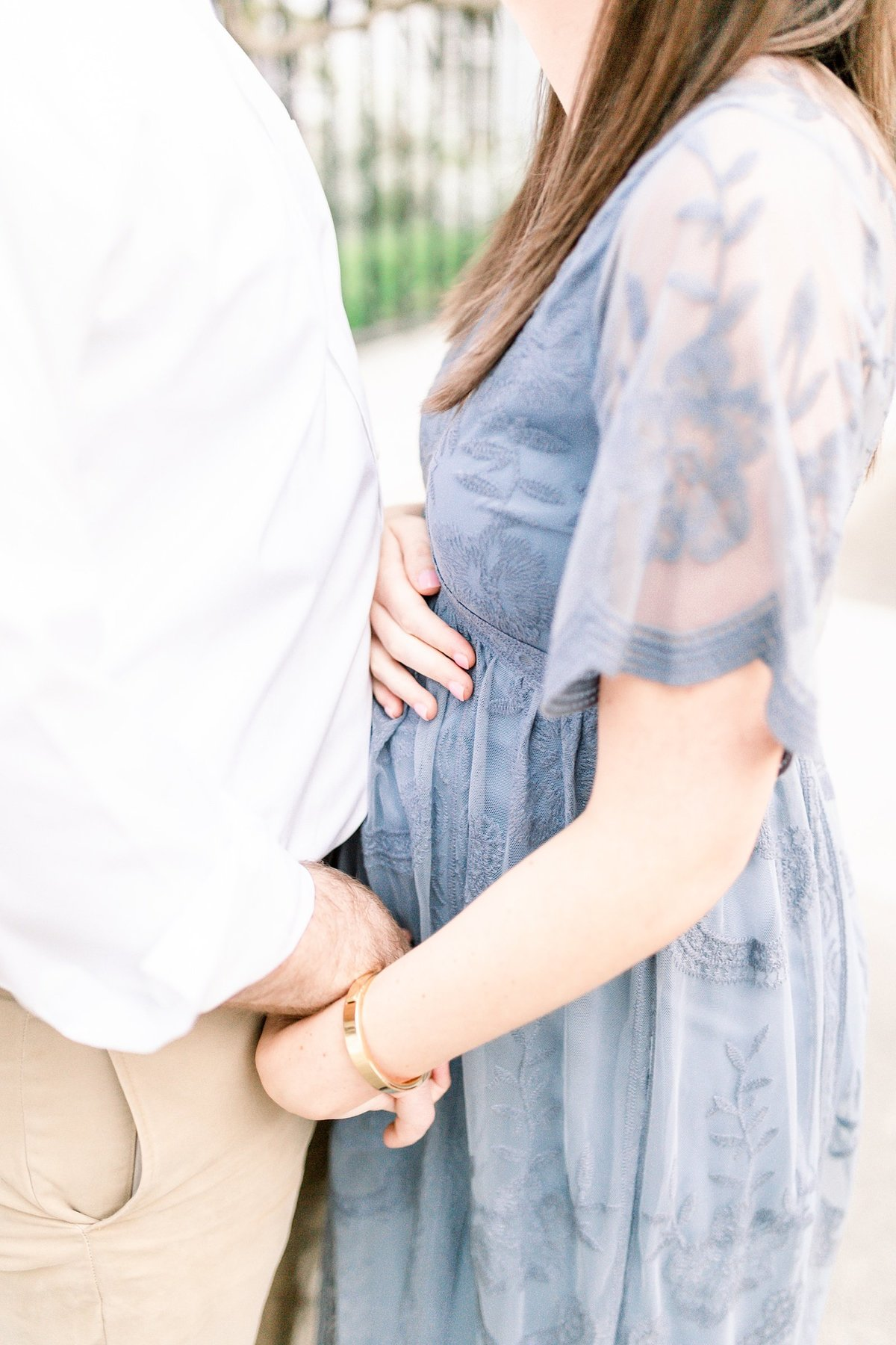 Downtown-Charleston-Maternity-Photographer_0015