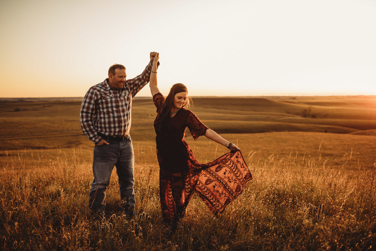 kansas-flint-hill-engagement-photos-native-roaming-19