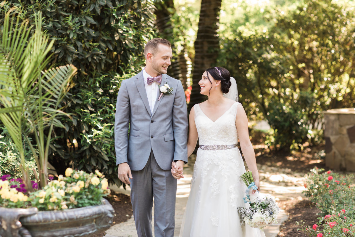 Danielle-Defayette-Photography-Daras-Garden-Knoxville-Wedding-349
