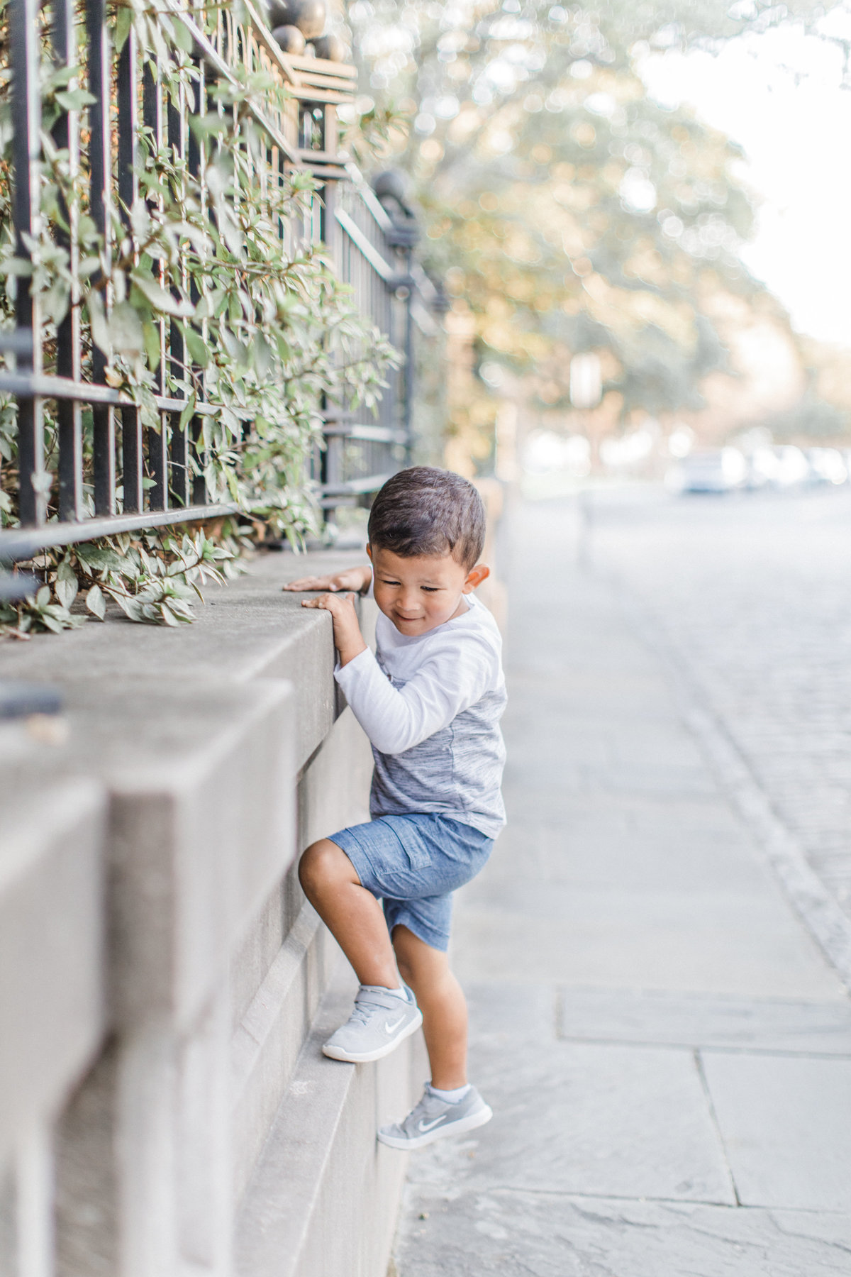 Downtown-Charleston-Family-Photos-Laura-Ryan-Photography-34