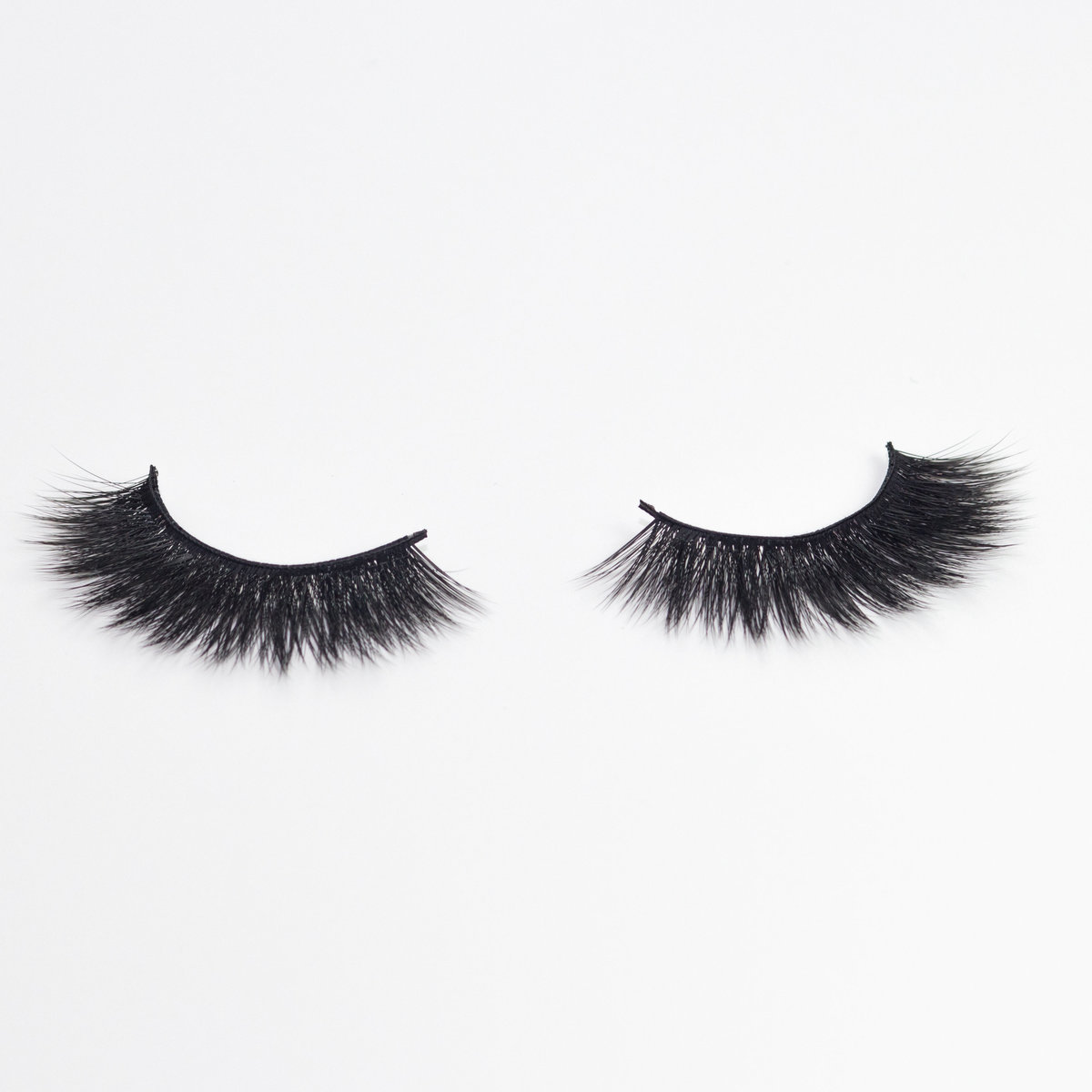 Belle-of-the-Ball-Mink-Eyelashes-Product-Photography-1