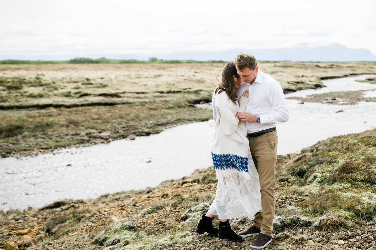 Aimee-Flynn-Photo-4-River-Elopement-Iceland