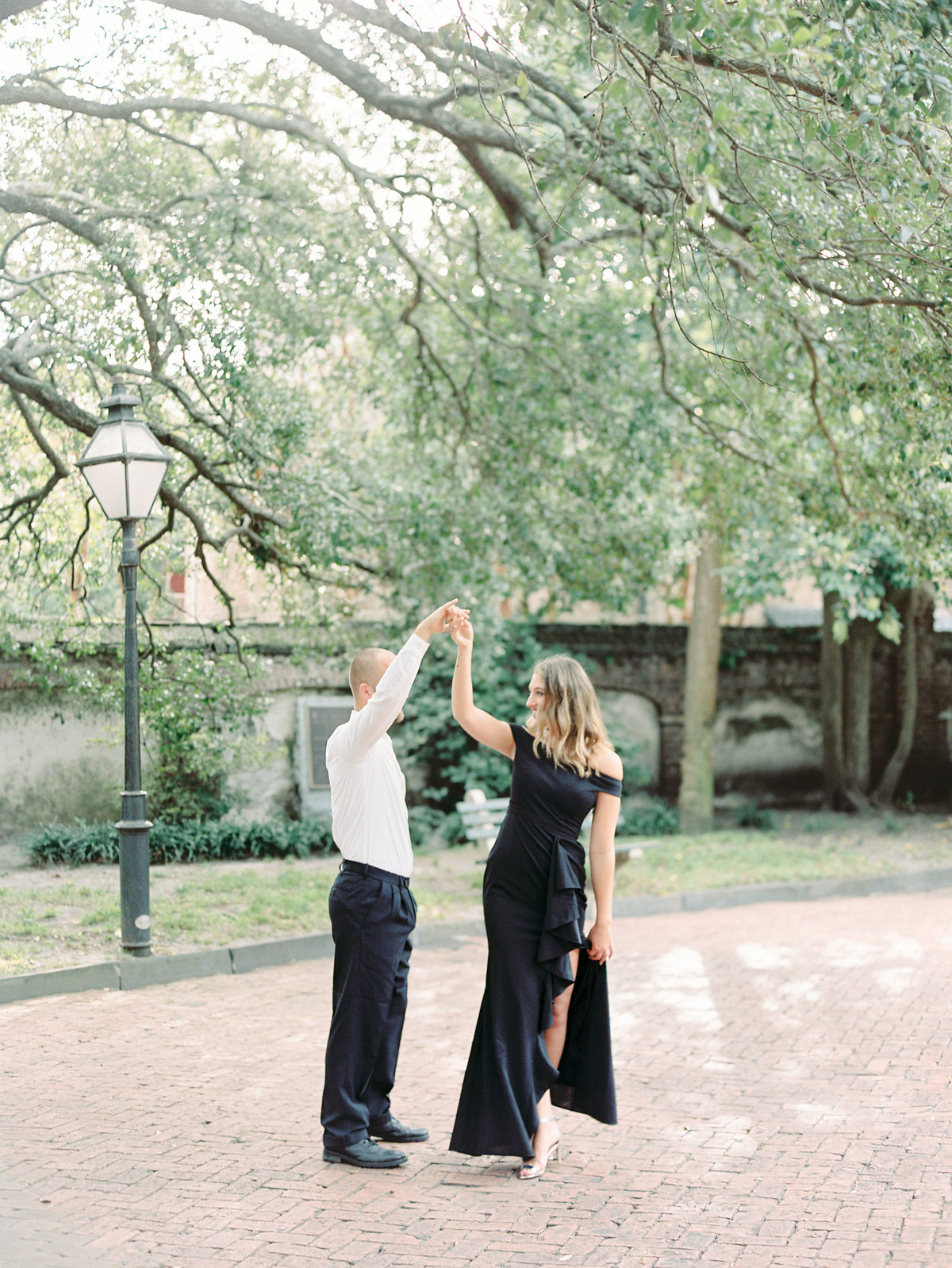 Rainbow-Row-Downtown-Charleston-Engagement-03