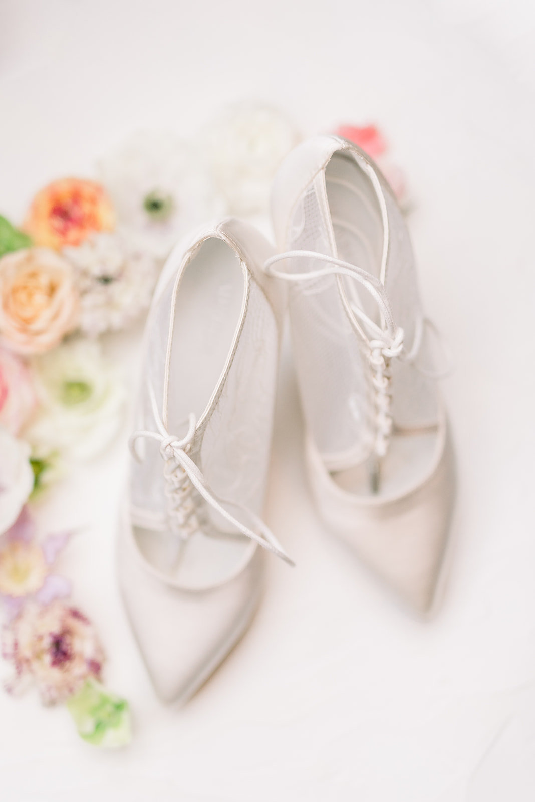 laure_lalliard_design_Art Nouveau Elopement_paris_Janine_Licare_Photography-bridal shoes_menbur_ (2)