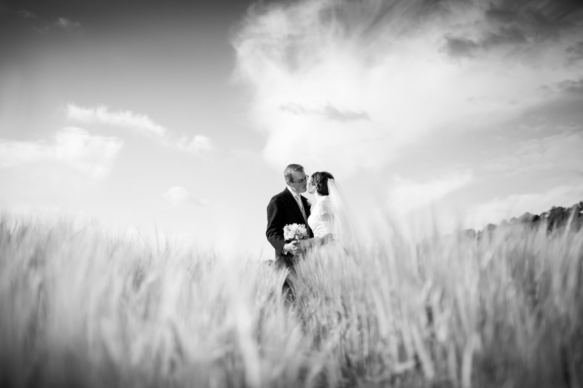 natural wedding photography in cornwall and devon