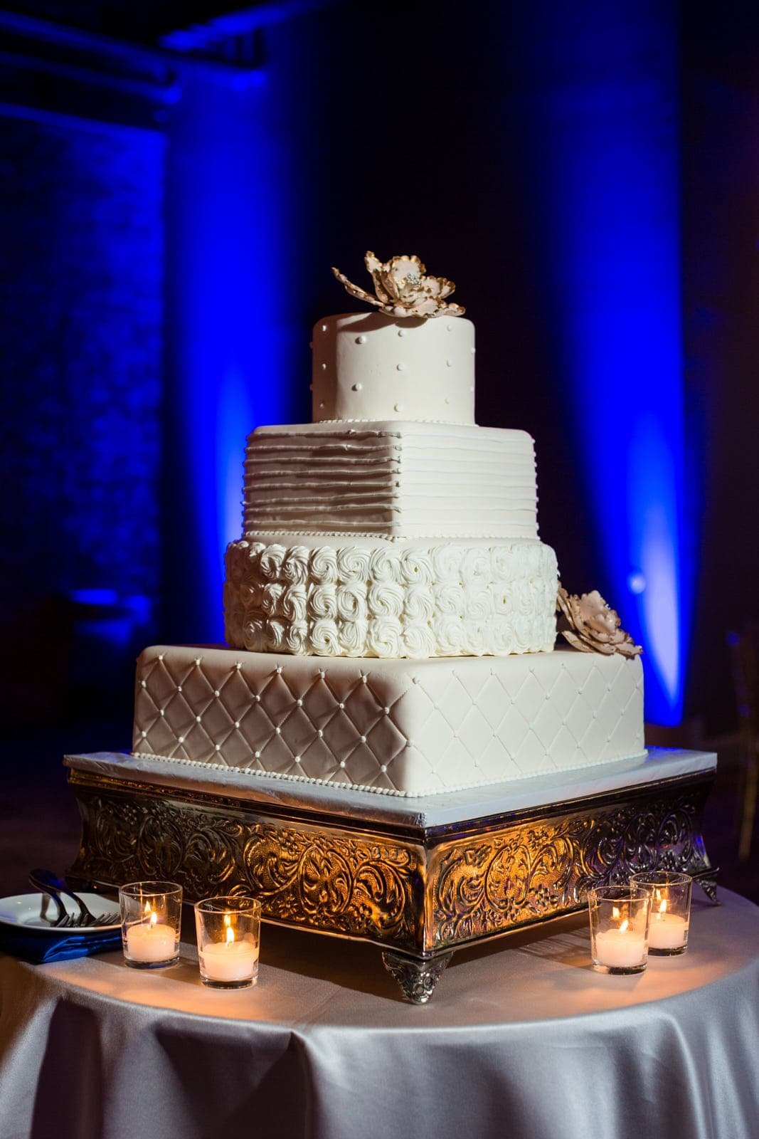 Atlanta wedding cake with uplighting