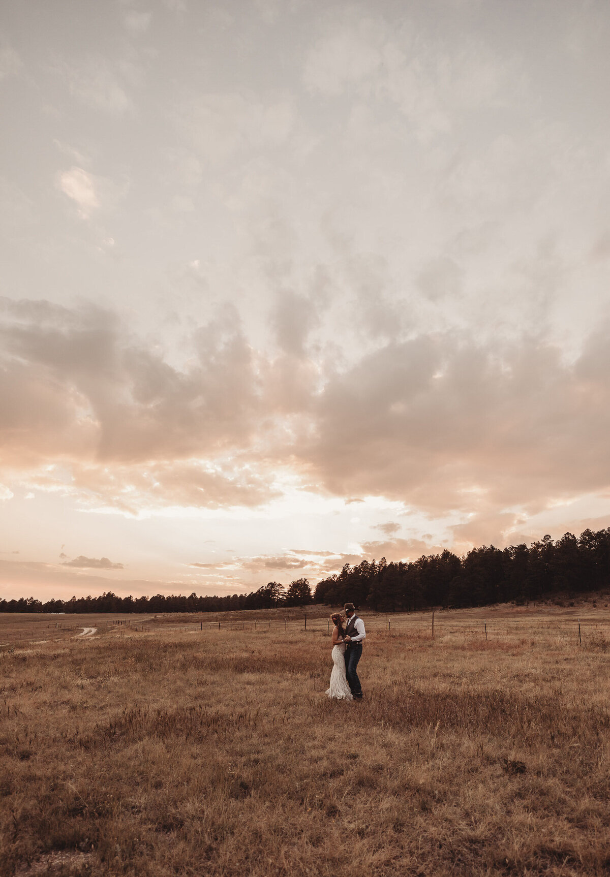 younger-ranch-wedding-Native-Roaming-Photography-73