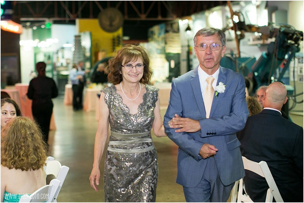 Baltimore-Museum-of-Industry-Wedding-Photographer-071