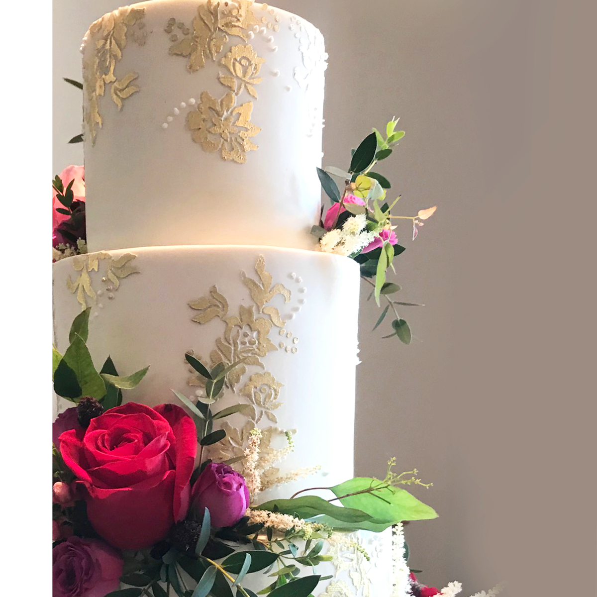 Whippt Desserts - Wedding Cake gold lace - left