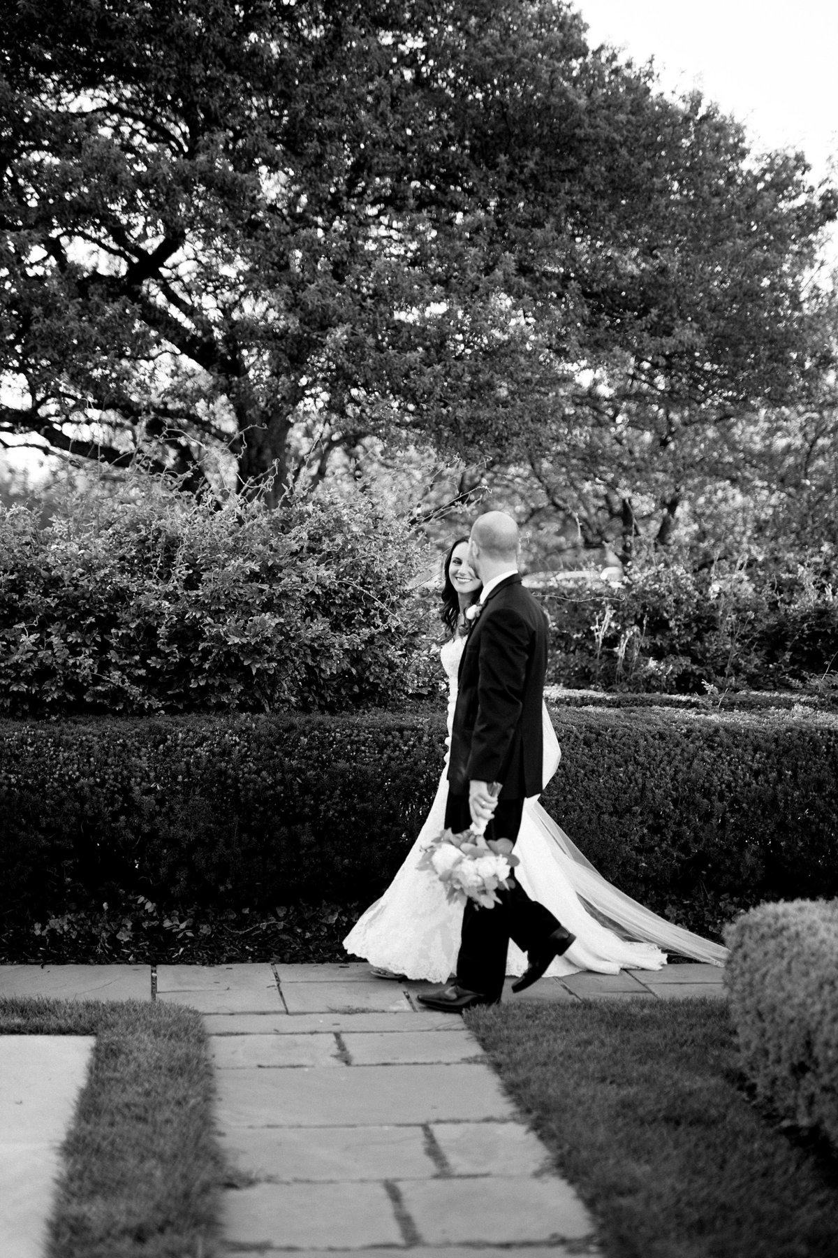 Shuster-Wedding-Grosse-Pointe-War-Memorial-Breanne-Rochelle-Photography114