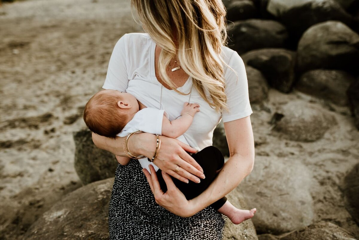 Brooke-Outdoor-Newborn-Photography-Session-Angela-K-Photography-12