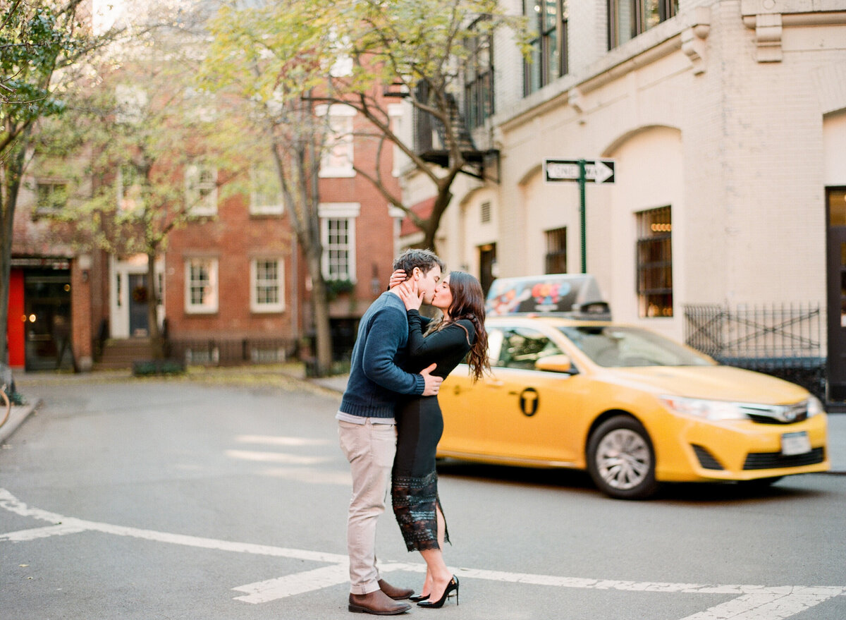 575 TWAH-DOUGHERTY-NYC-ENGAGEMENT-SESSION