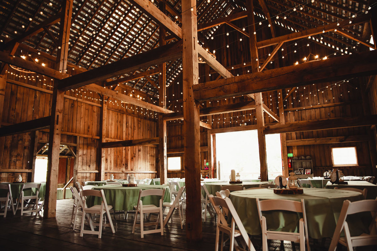 rustic barn wedding_23